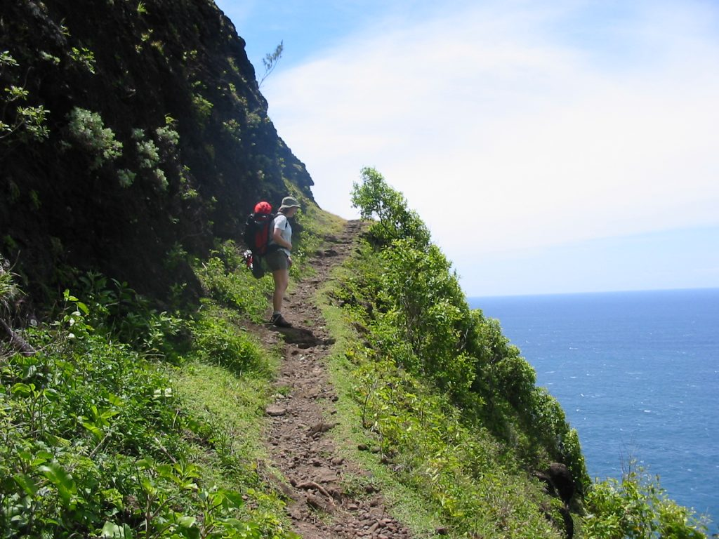 hiking-the-napali-coast